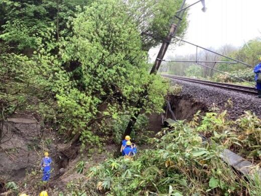 20210518jr2 520x390 - JR貨物/大雨で土砂流出、奥羽線一部区間で貨物列車運休
