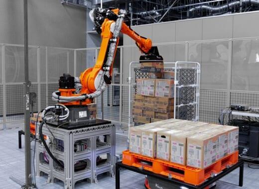 20211007mujin 520x380 - Mujin/小売店向け特売品積み付けロボットをパッケージ化