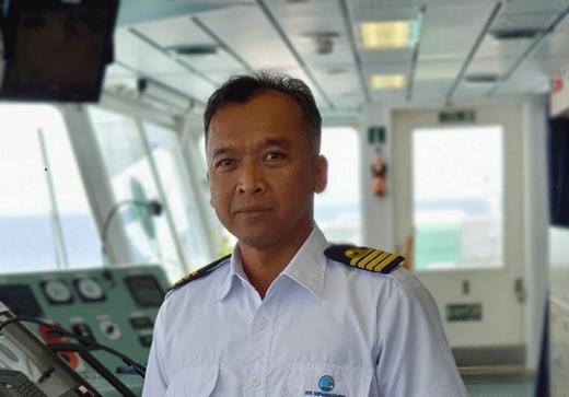 20211014nyk 1 520x363 - 日本郵船/同社LNG船に初のインドネシア人船長誕生