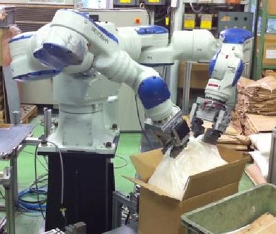 20110615robo2 - ロボット/物流現場で自動開梱